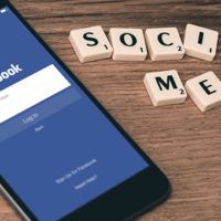 Struqtur finns på sociala medier